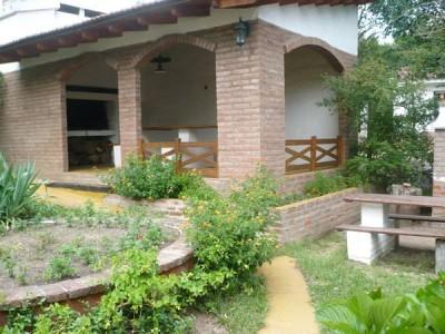 Casa con salida al río, Tanti
